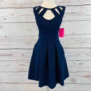 Betsey Johnson blue keyhole pockets fit and flare